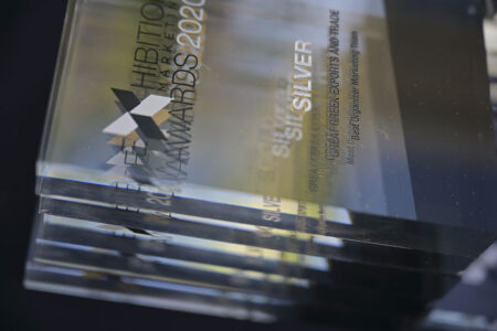 qrstand-award-1